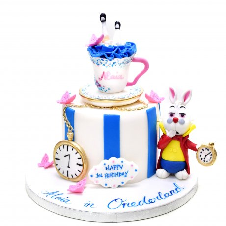 Alice in Wonderland cake 1