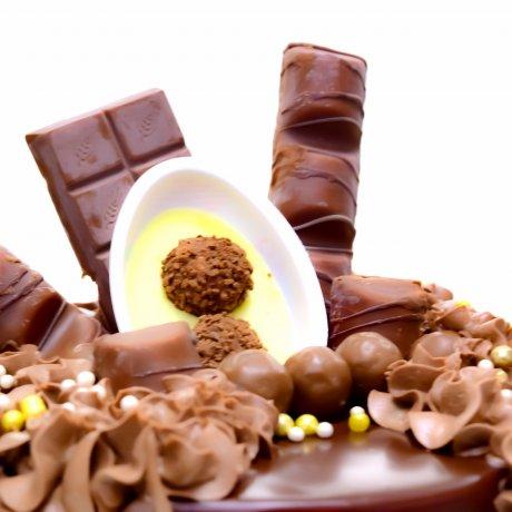 dripping chocolate fantasy cake 7