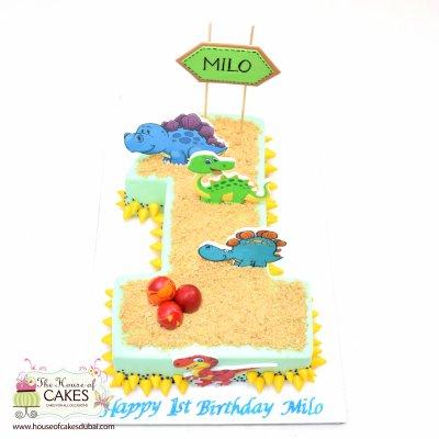 First birthday dinosaurs cake