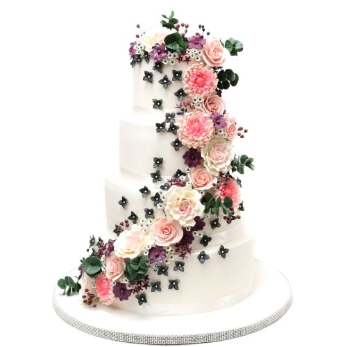 Cake with pretty sugar flowers