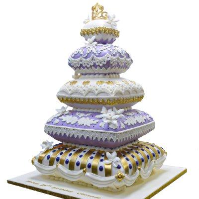 Royal cushion cake 2
