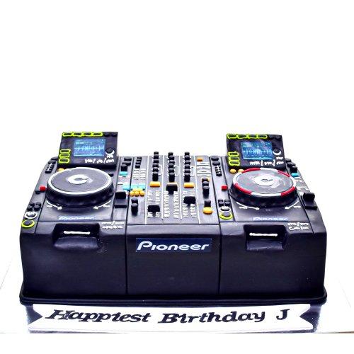 dj cake 3 7