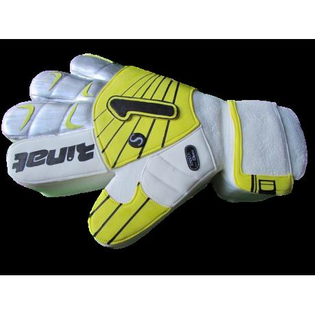 goalkeeper glove cake 12