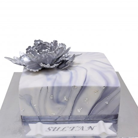 Silver marble cake square