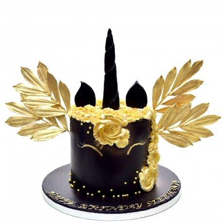 black and gold unicorn cake 6
