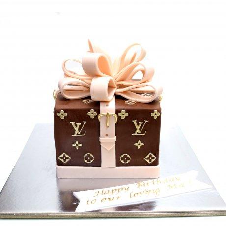 louis vuitton gift box cake 6