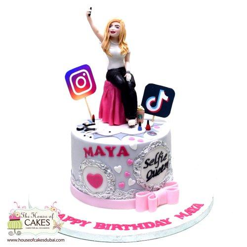 selfie queen cake 2 7