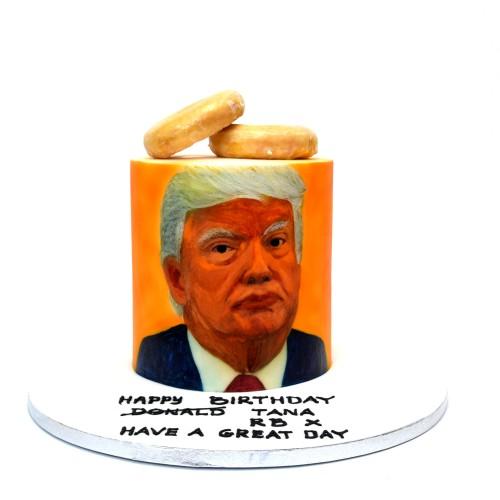 Trump face cake