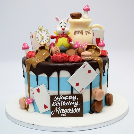 alice in wonderland cake 4 6