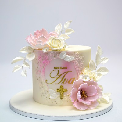 Pretty Christening Cake with flowers