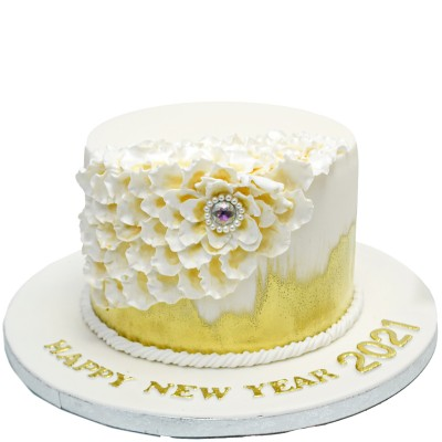White and gold cake 9