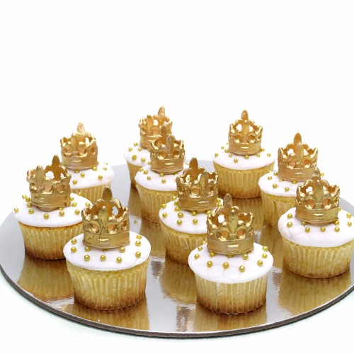 Cupcakes with gold crown