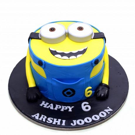 minion cake 16 12