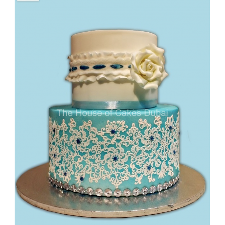Cake Bella with lace and rose