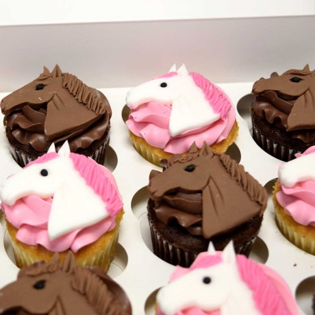 horse cupcakes 12