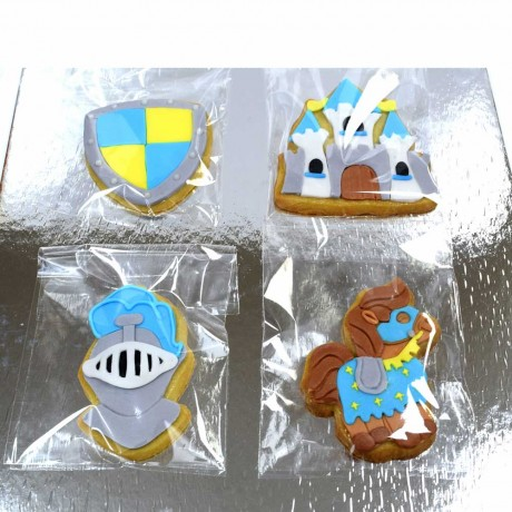 knight cookies 12