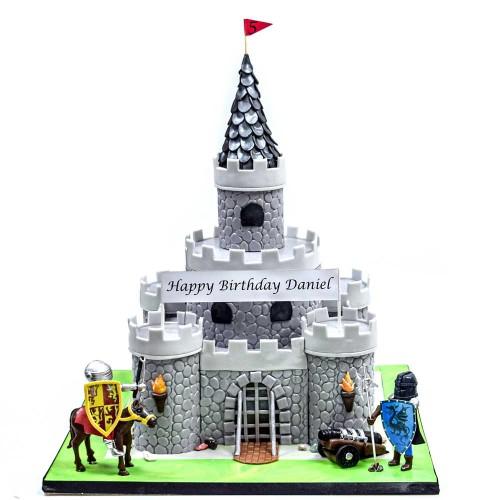 knight castle cake 9