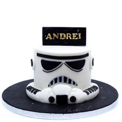 Stormtrooper helmet cake