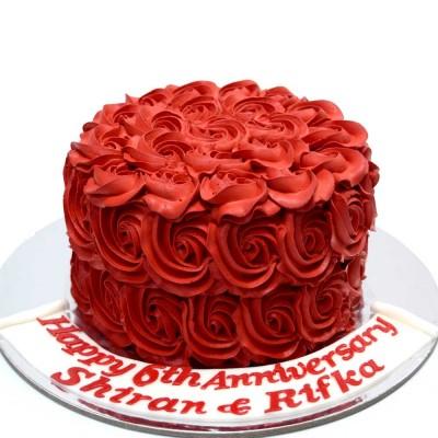 Red swirls cake