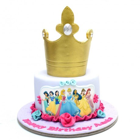 round cake with princesses picture 6