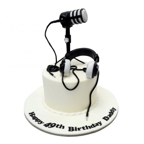 microphone and head set cake 6