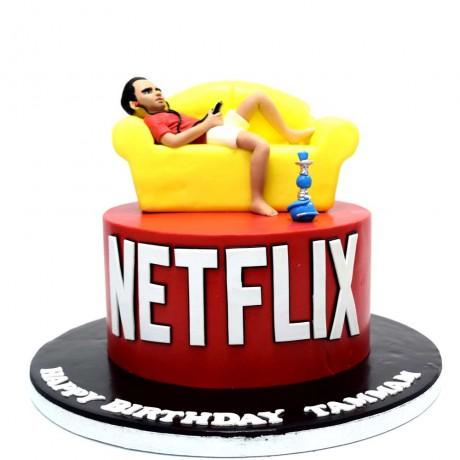 watching netflix cake 6