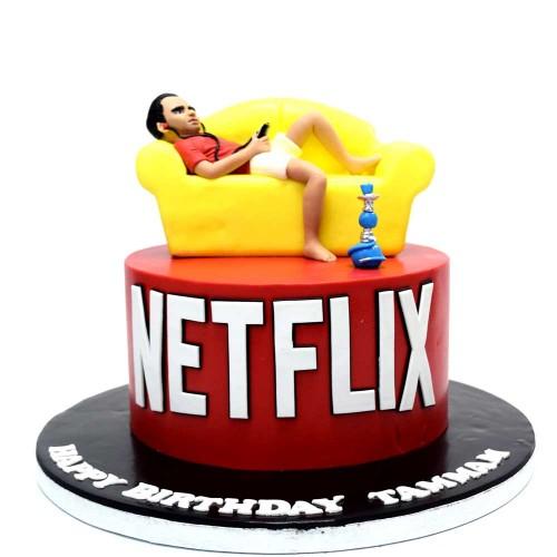 watching netflix cake 7