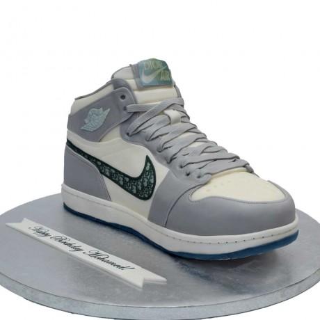nike air jordan mid sneaker cake 6