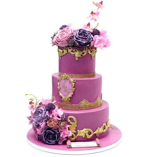 royal pink and gold cake 7