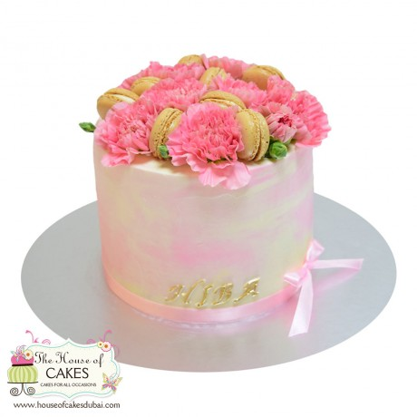 cake with pink carnations and macarons 6