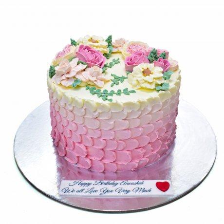 Pretty buttercream flowers cake