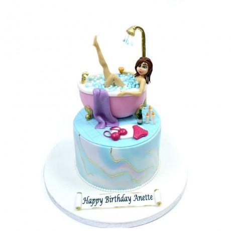 pretty lady in bath tub cake 13