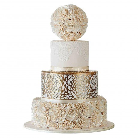 gold lace and roses cake 6