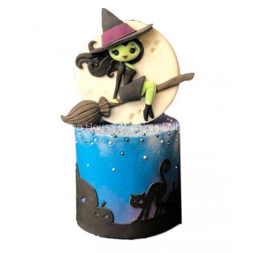 Cute witch cake 1