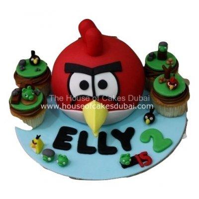 Angry bird cake and cupcakes