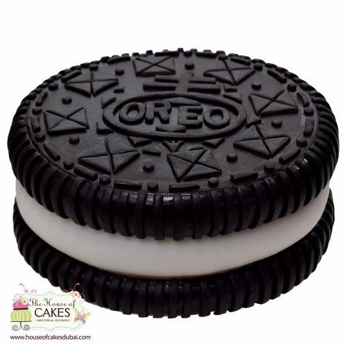 Oreo shaped cake