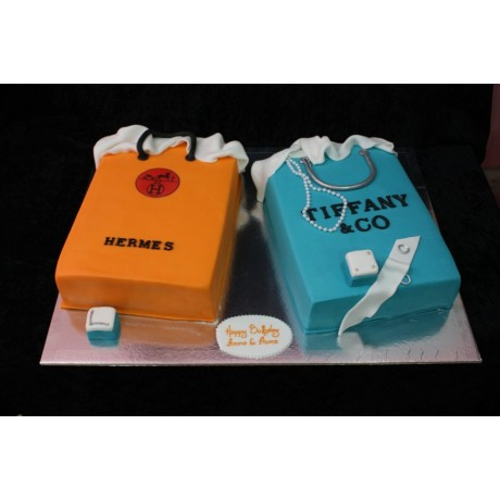 Hermes and Tiffany shopping bags cake