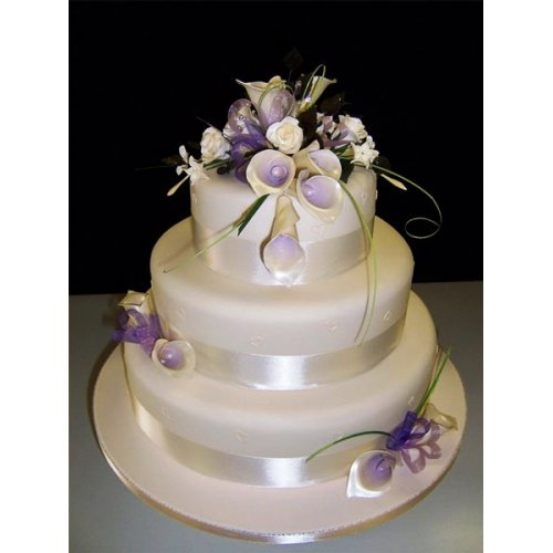 Wedding cake Lilac Lilies