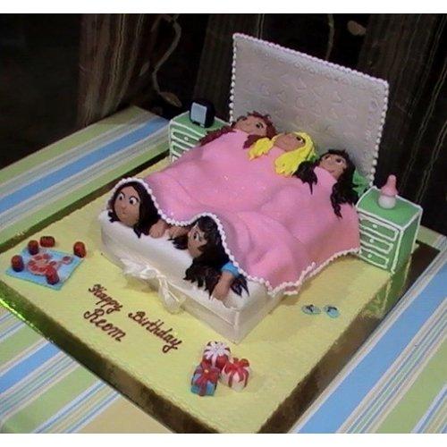Awe Inspiring Girls Sleepover Party Cake Dubai Funny Birthday Cards Online Inifodamsfinfo