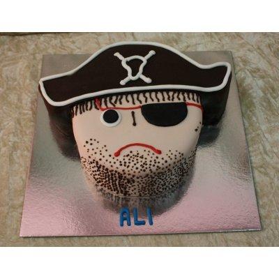 Pirate cake 17