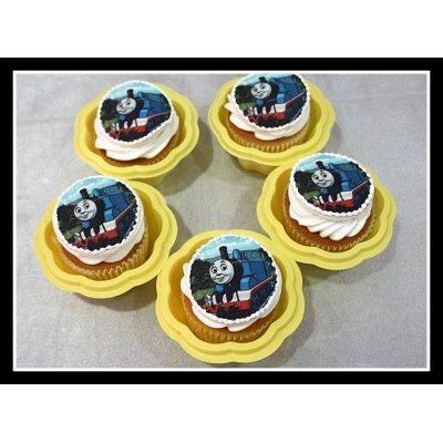 Thomas tank cupcakes 1