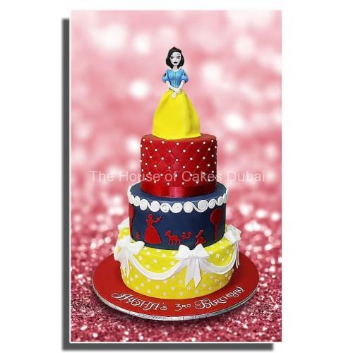 Snow white cake 4