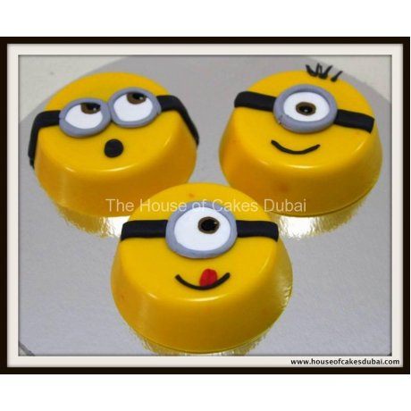 Minions chocolate covered Oreo's