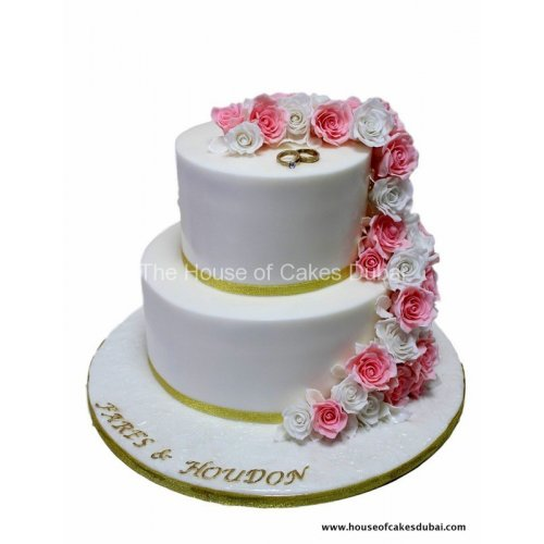 engagement cake with pink roses 8