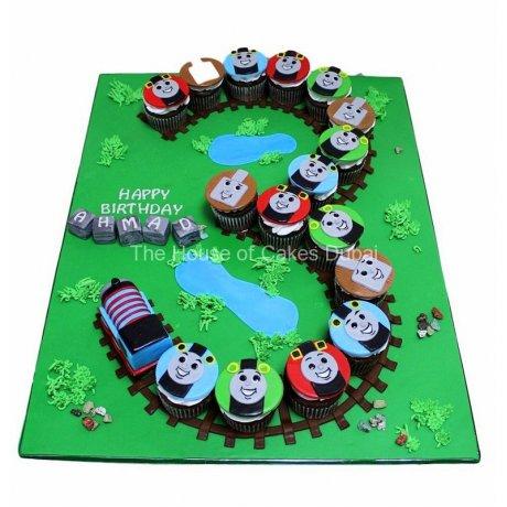 3rd birthday thomas tank cupcakes 6