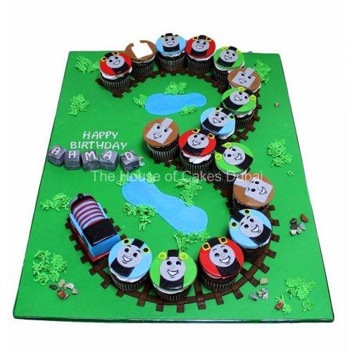 3rd birthday thomas tank cupcakes 8