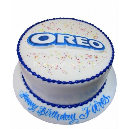 cake with oreo's logo 7