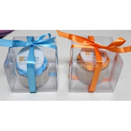 cupcakes with logo in individual transparent box 6