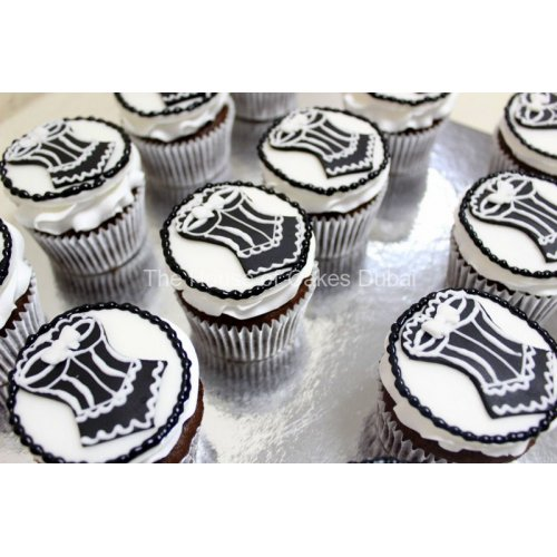 Corset cupcakes 1