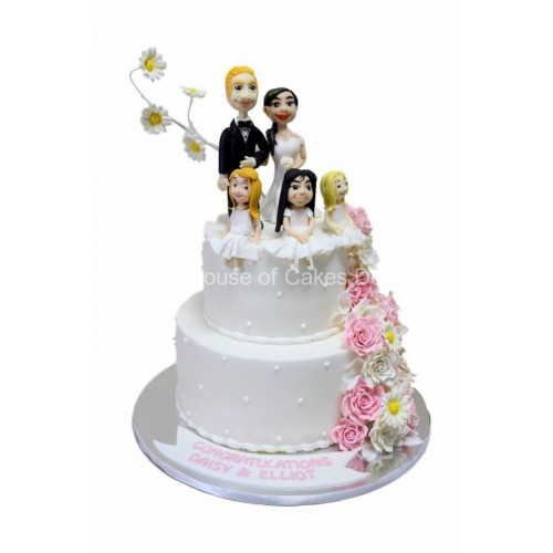 Wedding cake with all family